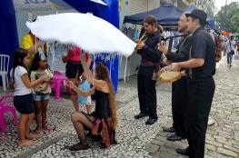 Feira Viva a Cidade emociona visitantes com poemas recitados