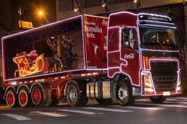 Caravana Iluminada da Coca-Cola FEMSA Brasil leva magia do Natal a Florianópolis